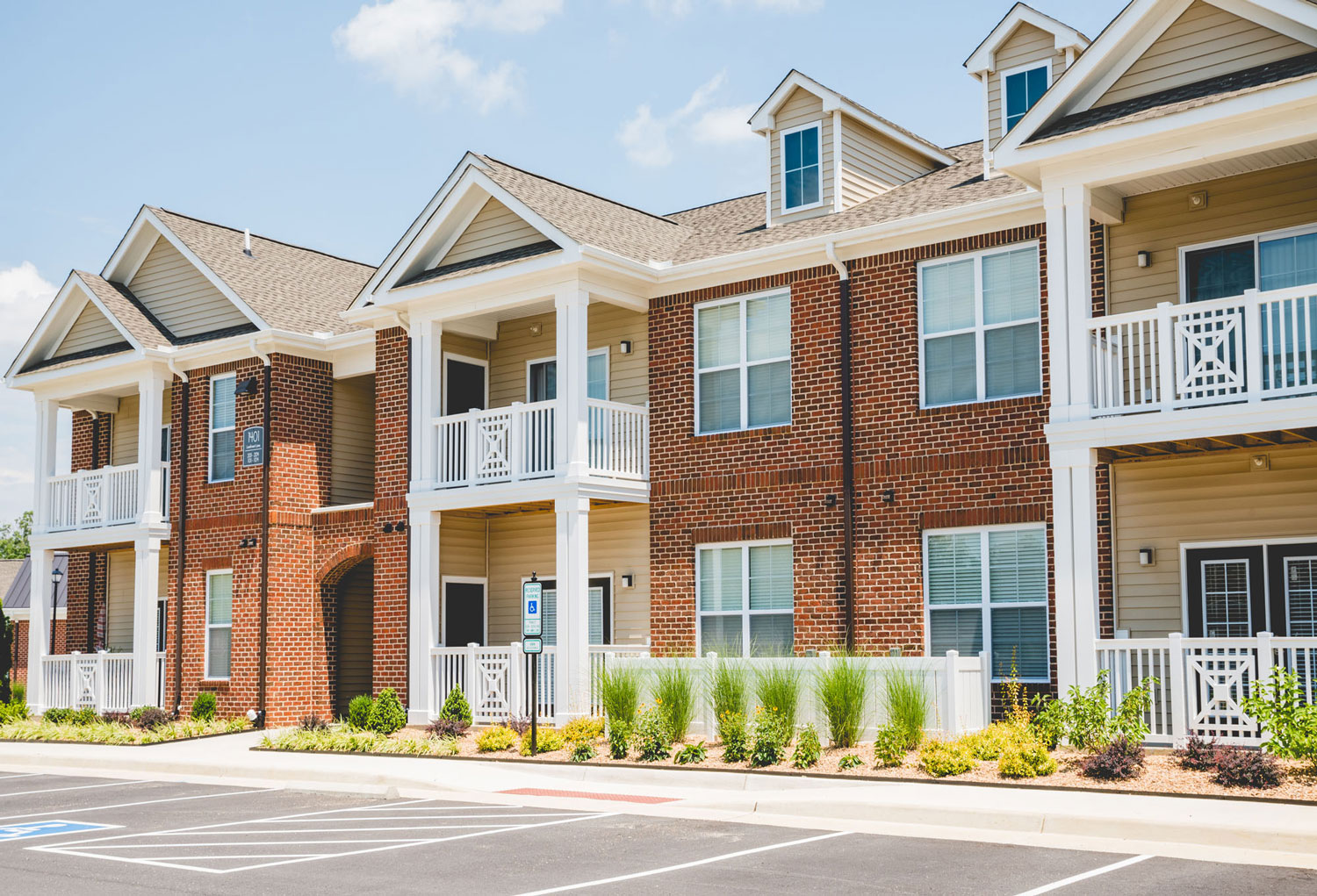 Clairmont at Chesterfield - For Rent in North Chesterfield, VA